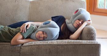 B043_SE_OSTRICH-PILLOW-JN_STUDIOBANANATHINGS_03.jpg